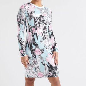 Nike Ultra Femme Long Sleeve Athletic Dress